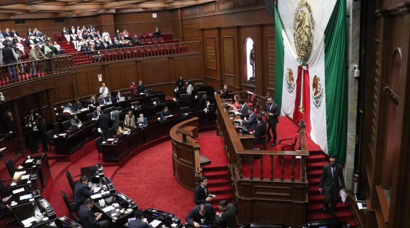 NUEVA LEY DE PROFESIONES DEFINE QUIENES REQUIEREN DE TÍTULO PARA EJERCER.